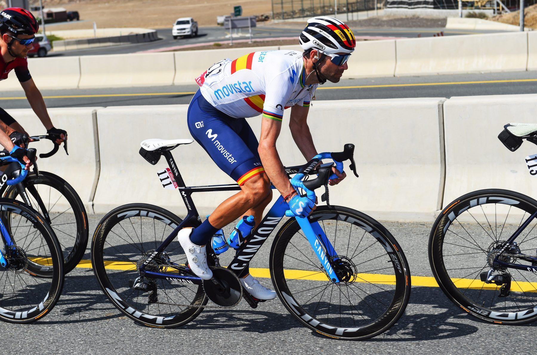 Imagen de la noticia 'Valverde (13th) on the right path before Jebel Hafeet'