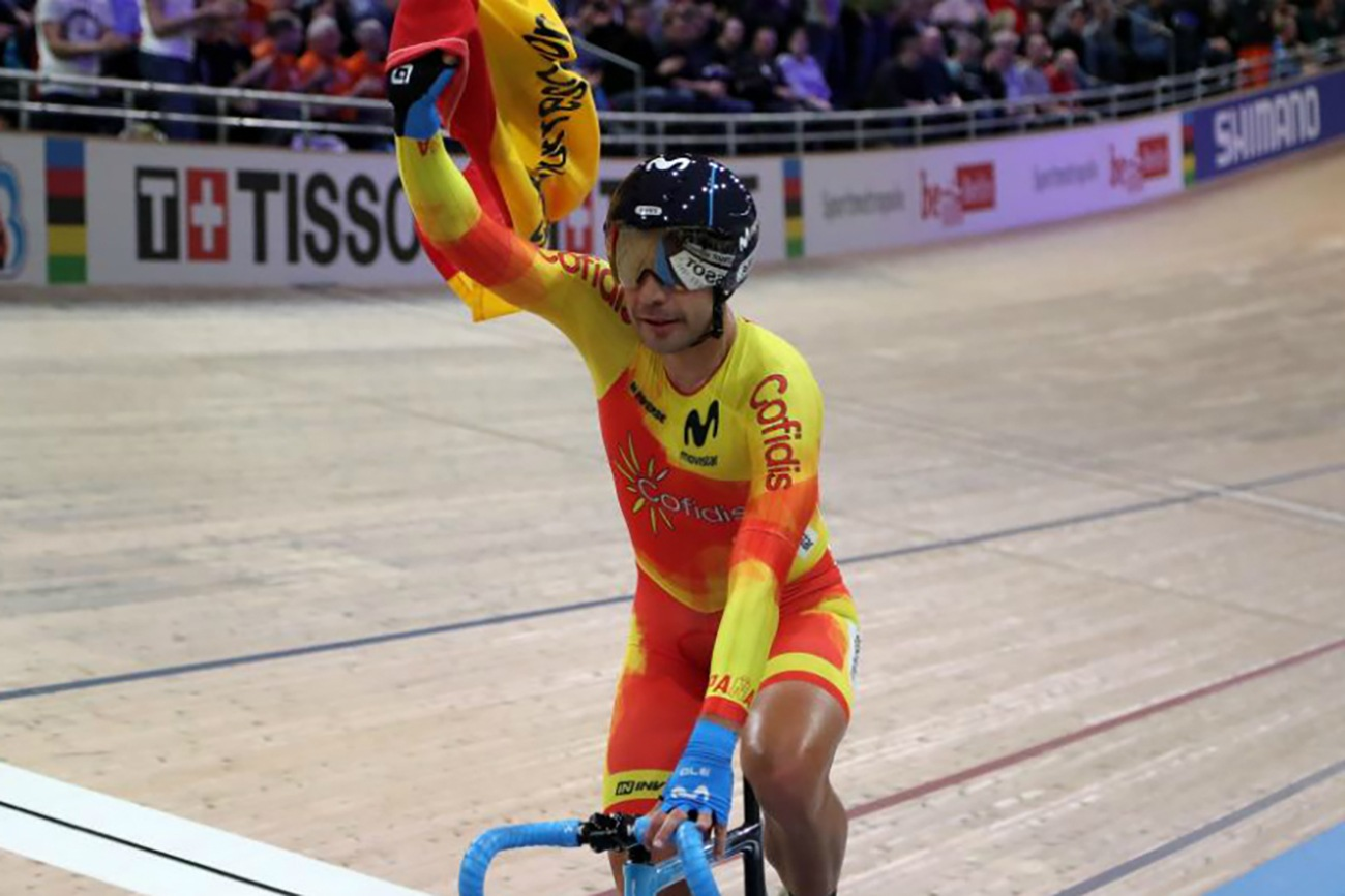Imagen de la noticia 'Sebastián Mora takes silver at Worlds' Points Race with perfectly-timed move'