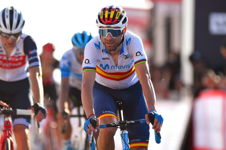 Imagen de la noticia 'Tough finish for Valverde, Movistar Team at Jebel Hafeet'