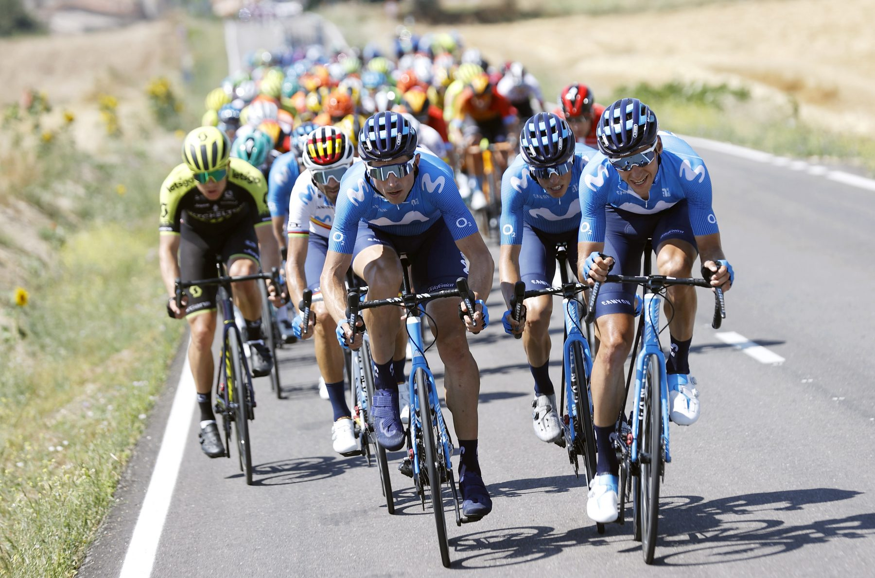 Imagen de la noticia 'Valverde 3rd as men's Movistar Team returns in Vuelta a Burgos'