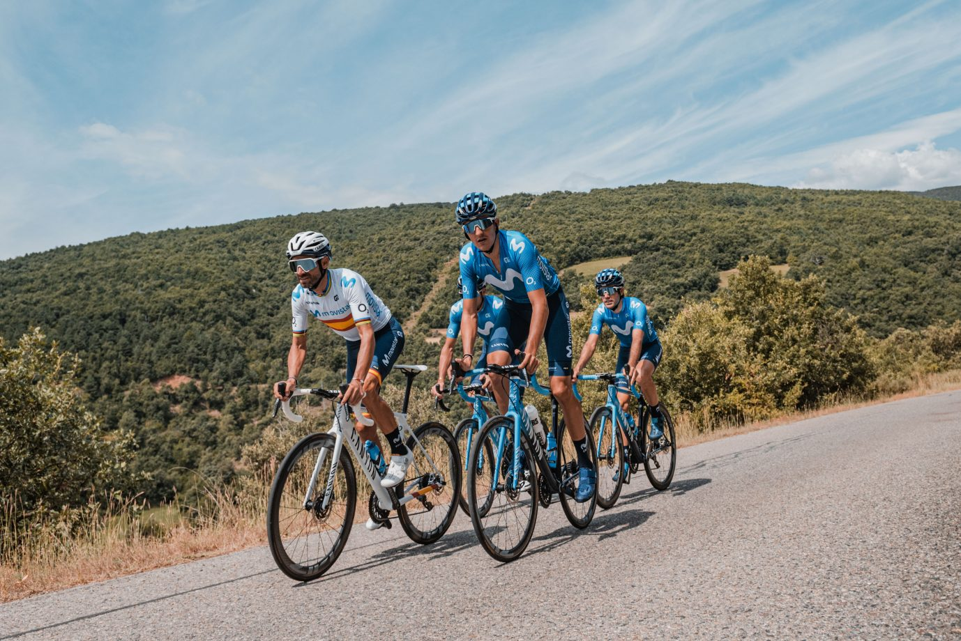 Imagen de la noticia 'Behind-the-scenes at the Movistar Team's Pyrenees training camp'