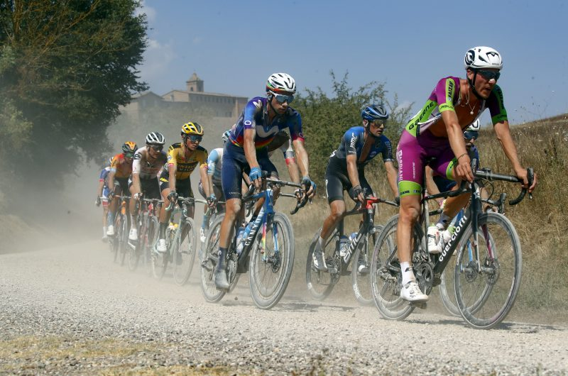 Imagen de la noticia 'The warmest, most extenuating Strade Bianche ever, in pictures'