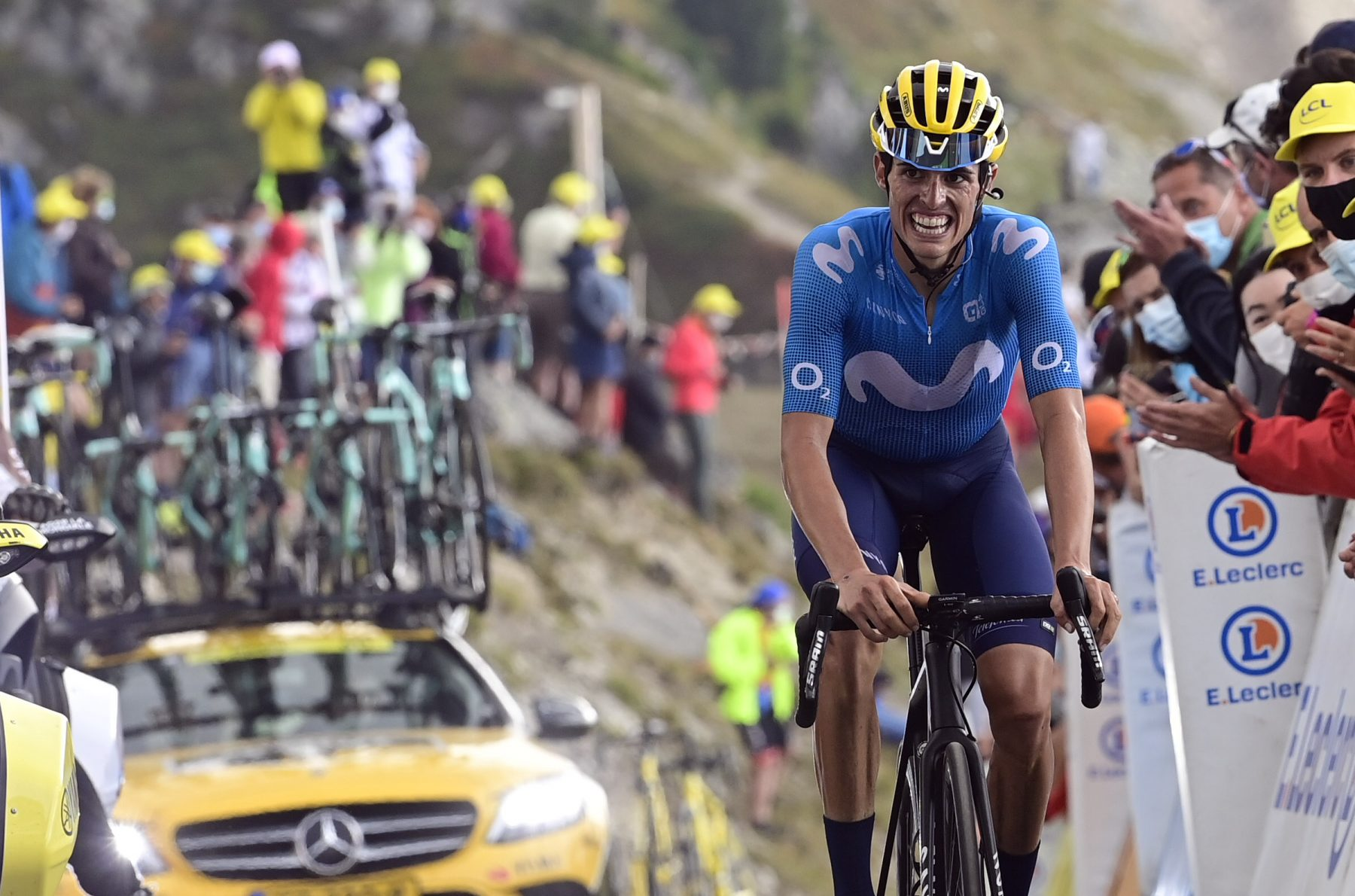 Imagen de la noticia 'Enric Mas (6th) continues strong in TDF's brutal Loze test'