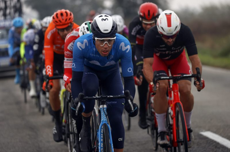 Imagen de la noticia 'Albert Torres (7th) knocks on win's door at Giro's most chaotic day'