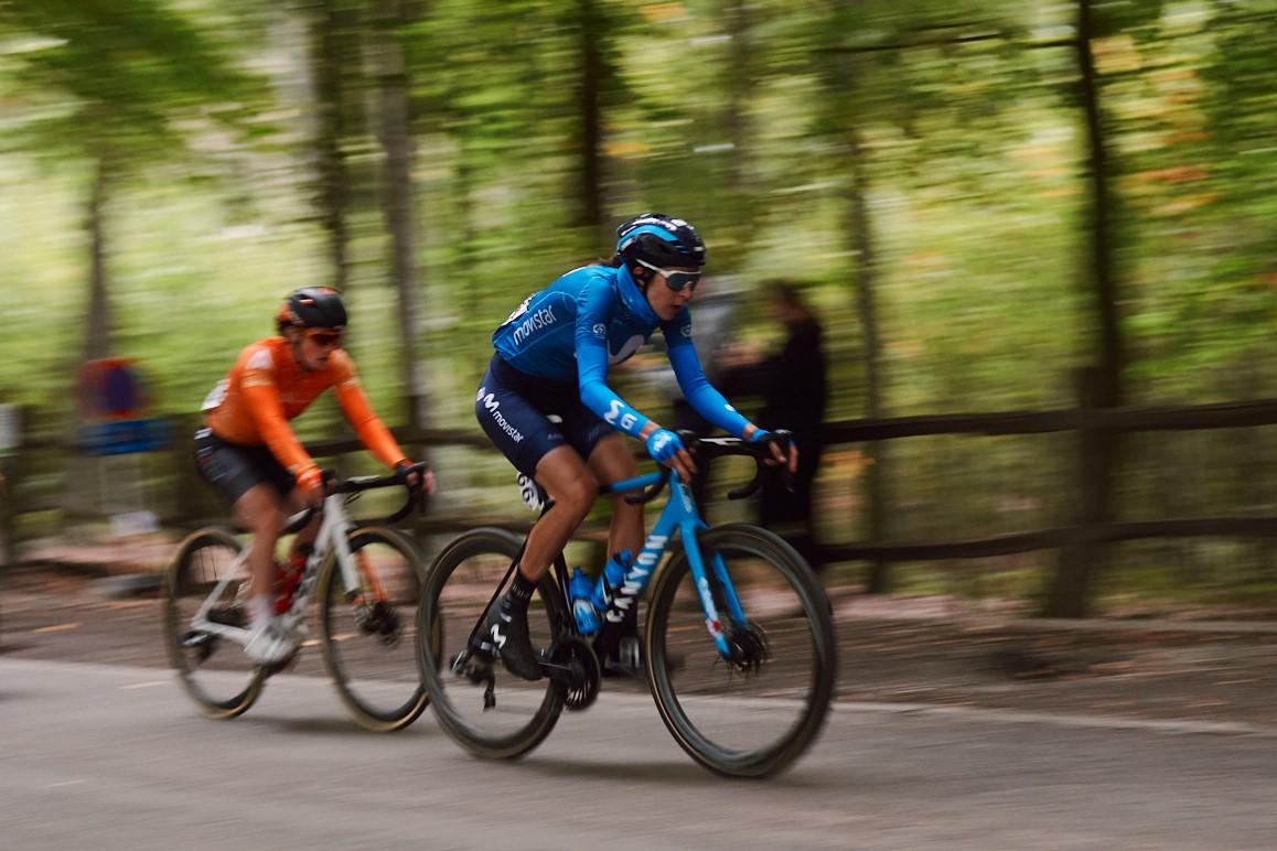 Imagen de la noticia 'Gloria Rodríguez into Ronde van Vlaanderen breakaway; Biannic 19th'