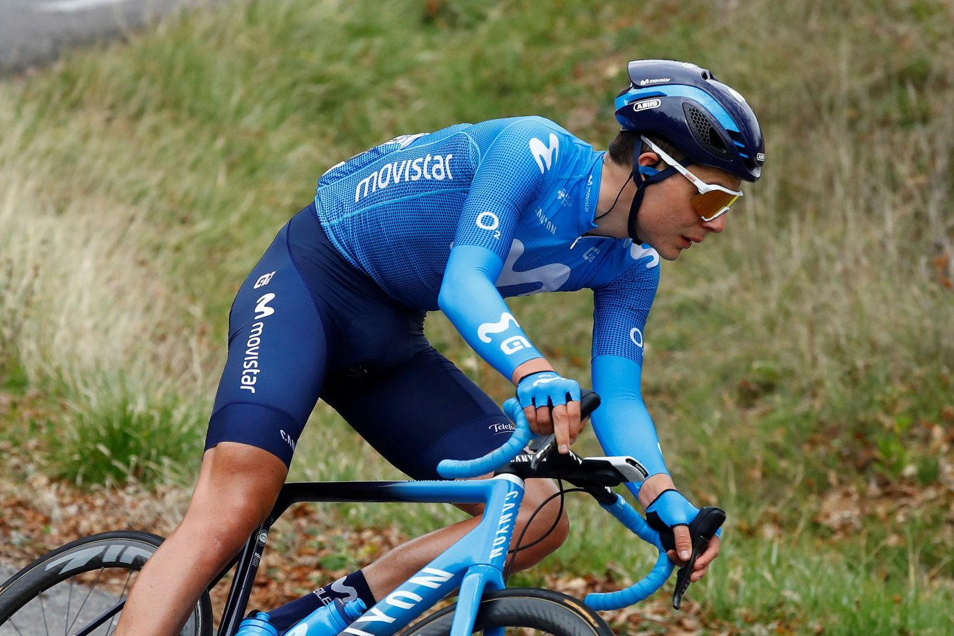 Imagen de la noticia 'Jacobs, Movistar Team unscathed on day two in Belgium before crucial ITT'