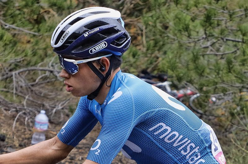Imagen de la noticia 'Win our 100% Racetrap glasses and our 2020 Giro team's signed backnumbers'