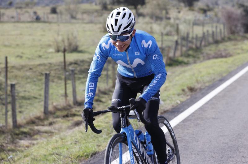 Imagen de la noticia 'Miguel Ángel López back on his bike in Movistar Team colours: his first ride in Madrid'