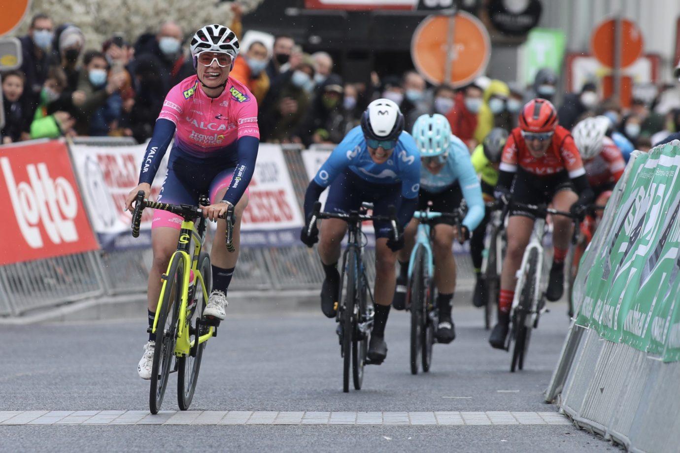 Imagen de la noticia 'Jelena Erić closes in on Blues' fourth win: 2nd at Ronde de Mouscron'