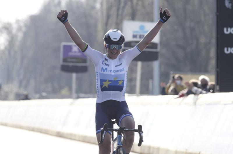 Imagen de la noticia 'Annemiek van Vleuten wins Ronde van Vlaanderen for Movistar Team'