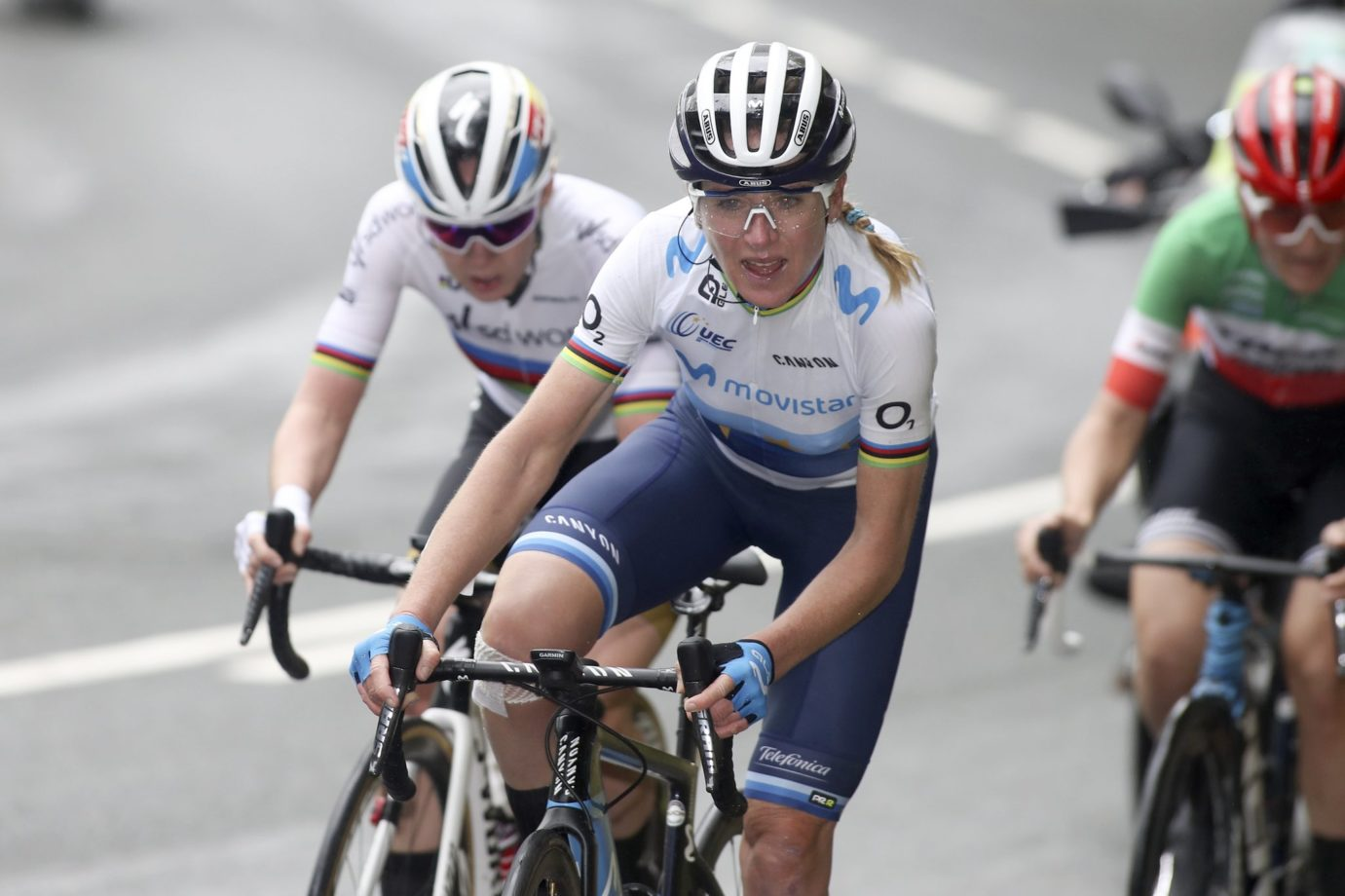 News' image'Van Vleuten no se baja del podio: 2ª en el GP Eibar en Arrate'