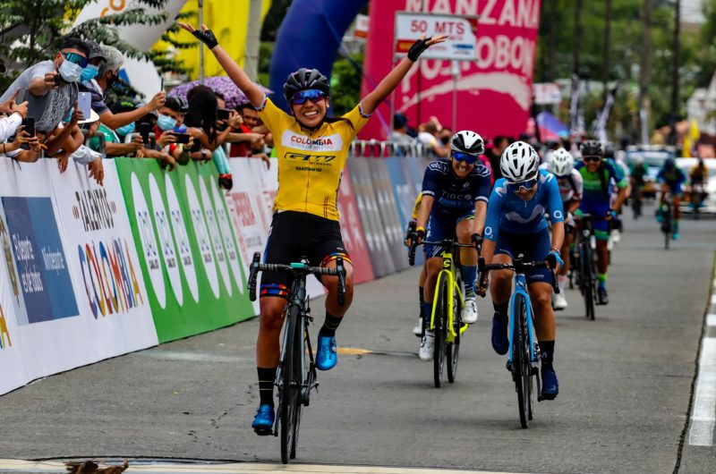 Imagen de la noticia 'Patiño (2nd) closes in on first Colombian road race title in Pereira'
