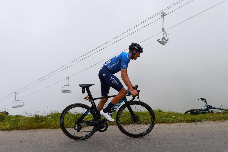 Imagen de la noticia 'Mas struggles on hardest day up the Portet, now 7th overall'