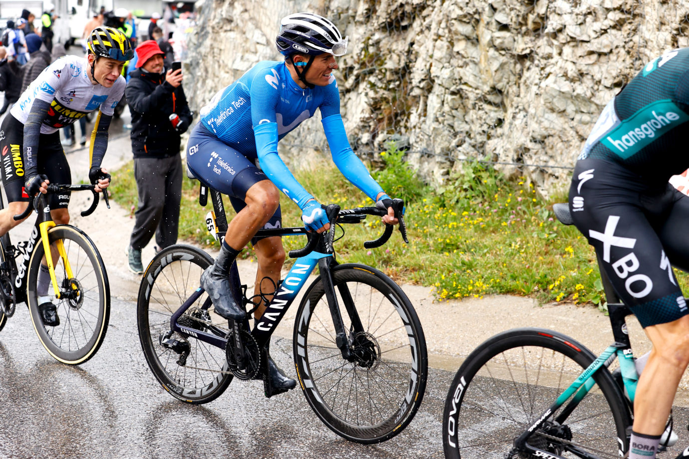 Imagen de la noticia 'Enric Mas progresses to 6th overall in stage nine rollercoaster'