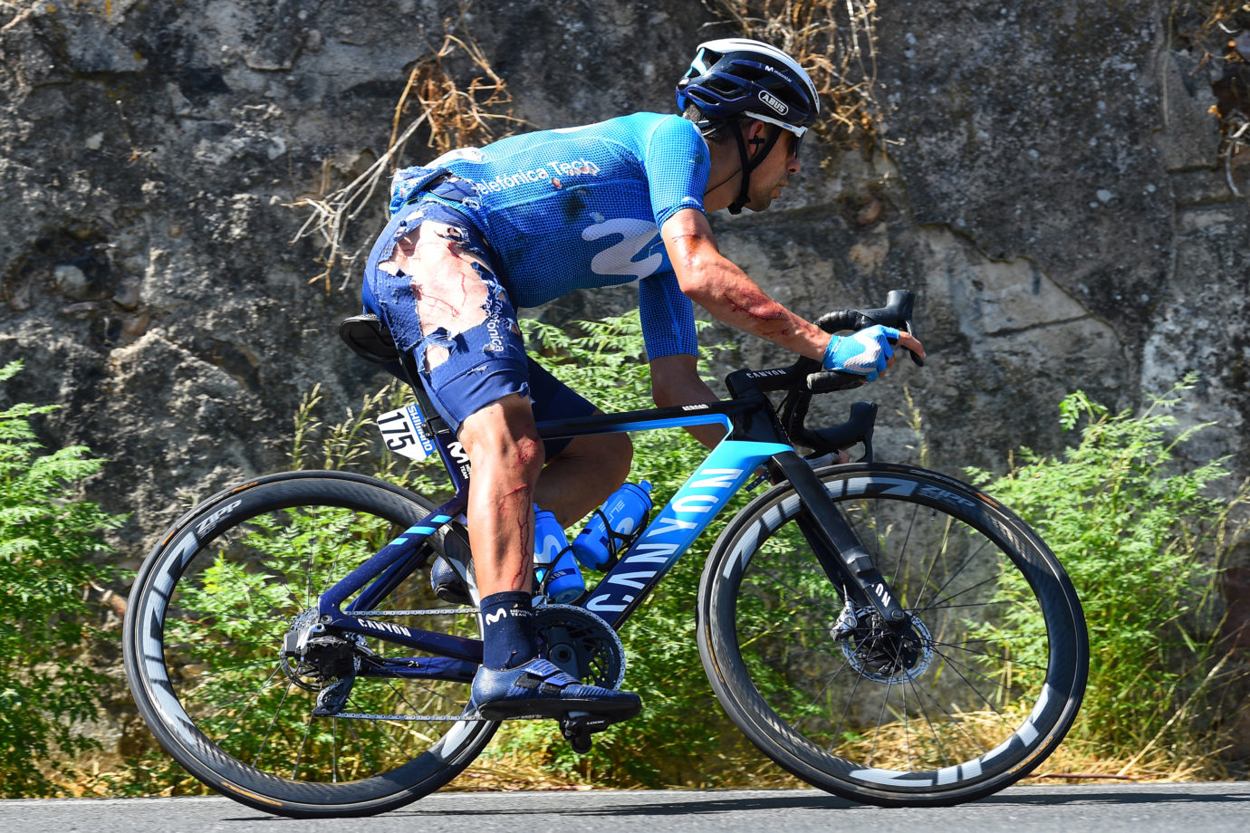 News' image'Oliveira, susto en una calurosa 12ª etapa en Córdoba'