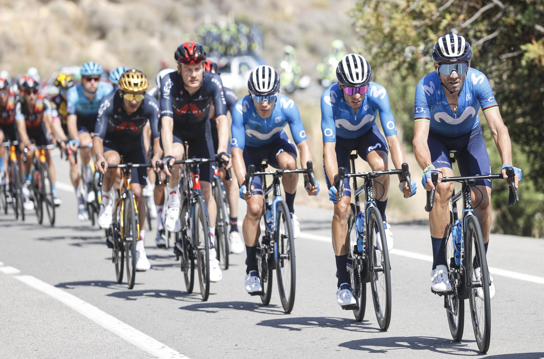 Imagen de la noticia 'Alejandro Valverde crashes out of 2021 La Vuelta'