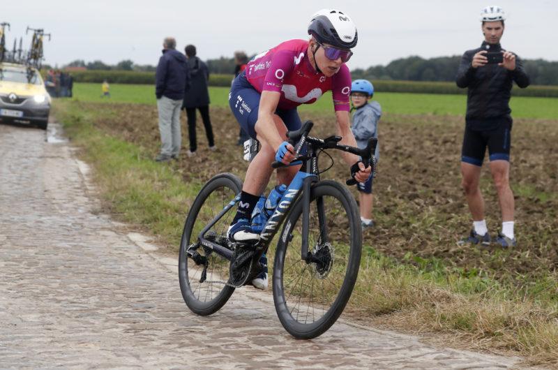 Imagen de la noticia 'Annemiek van Vleuten fractures pelvis and shoulder at Roubaix crash'
